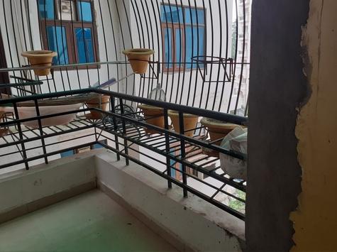 bancony residential interior design idea